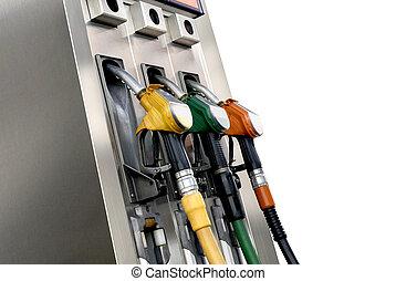 de pompen van de brandstof