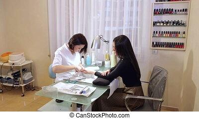 de, procedure, van, professioneel, manicure, in, een, knapheid salon, of, spa.