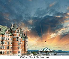 de, sky., ホテル, 大変, frontenac, ケベック, canada., カラフルである, 光景