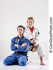de, twee, judokas, vechters, het poseren, op, grijs