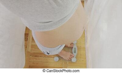 debout, 6k., pregnant, closeup, femme, échelle