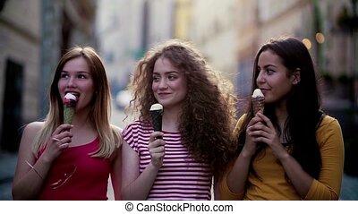 debout, adolescent, town., jeune, glace, femme, dehors,...