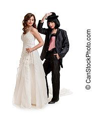 debout, aimer, gay, habillé, couple, palefrenier, mariée, femme