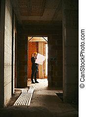 debout, bâtiment, modèles, appartement, plans, travail, regarder, site, construction, ingénieur