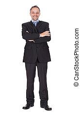 debout, bras croisés, portrait, homme affaires, heureux