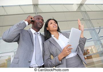 debout, centre, business, dehors, équipe, congrès