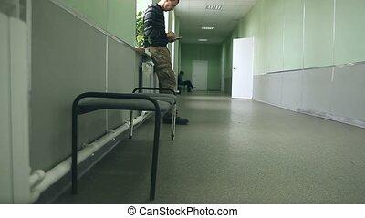 debout, couloir, smartphone, université, wi, fenêtre accès,...