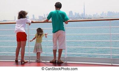 debout, croisière bateau, famille, pont