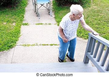 debout, devant, personne agee, dame, rue