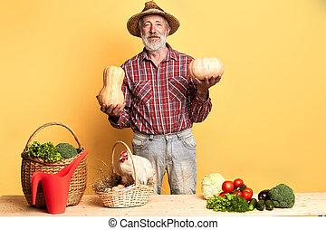 debout, eco, ouvrier, légumes, compteur, luxuriant, ferme fraîche, oeufs
