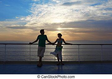 debout, femme, pont, regarder, ship., croisière, woman., homme