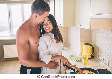 debout, guy., yeux, penchant, elle, image, autre., garde, cuisiniers, étreindre, breakfast., charmant, ensemble, chaque, closed., girl, couple, elle