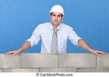 debout, mur, pierre, sur, ingénieur