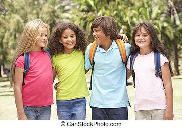 debout, parc, groupe, écoliers