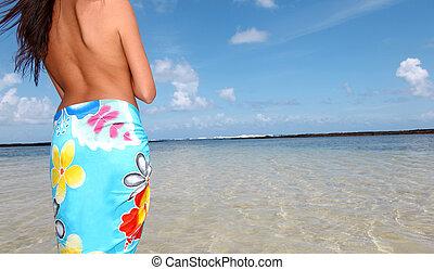 debout, pareo, femme, closeup, plage