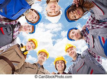 debout, petit groupe, ciel, architectes, contre