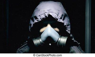 debout, respiration, salle, lourdement, masque, essence, sombre, fermé, type, hd