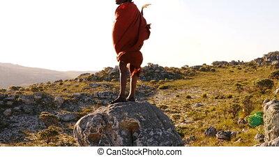 debout, rocher, tribal, homme, 4k
