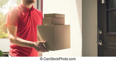 debout, service, maison, -, deliveryman, livraison, boîtes, portes, maison