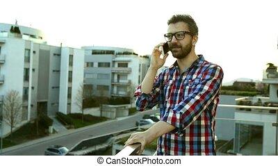 debout, smartphone, téléphone, balco, appeler, homme affaires, confection