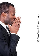 debout, sur, sien, pensée, africaine, côté, jeune, formalwear, isolé, solutions., pensif, menton touchant, agrafé, fond, mains, nouveau, blanc, vue, quoique, homme