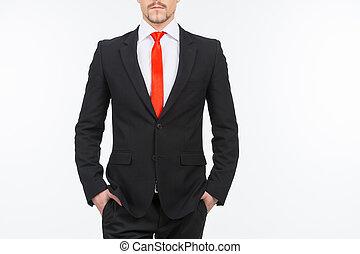 debout, tenue, image, hommes, jeune, tondu, isolé, quoique, businessman., poches, mains, blanc, autoritaire