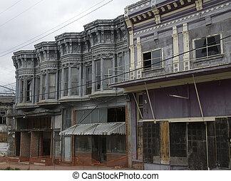 decayed facade in pocahontas