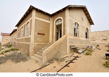 Decaying architecture at Kolmanskop 9