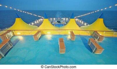 deckchairs, bateau, pont, piscine, tentes