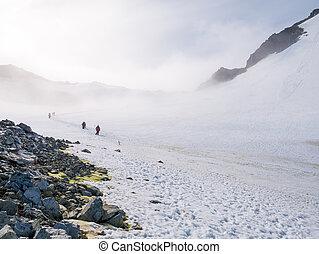 declive, spigot, hiking, pessoas, graham, neve, península, antártica, névoa, pico, antárctico, terra