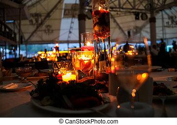 decor interior design restaurant using candles petals -...