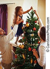 decorar, árbol de navidad, juntos