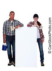 decorateurs, met, een, plank, links, leeg, voor, jouw, boodschap