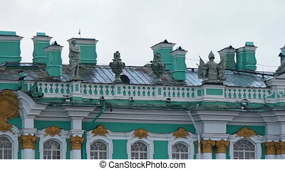 Decorating the roof of the Winter Palace, part 2