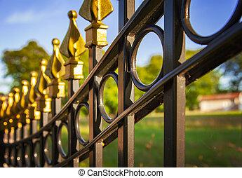 decorativo, hierro fundido, cerca