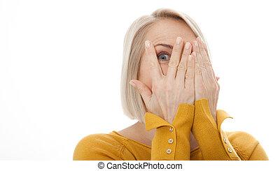 dedos, cámara, por, blanco, espiar, ojo, curioso, cara mujer...