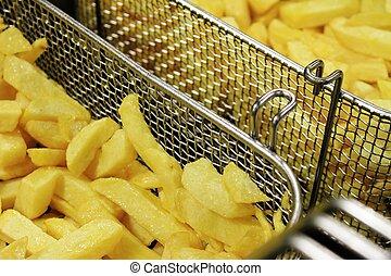 deep frying chips - deep frying chipped potatoes