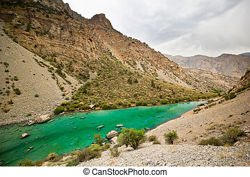 deep green mountain lake