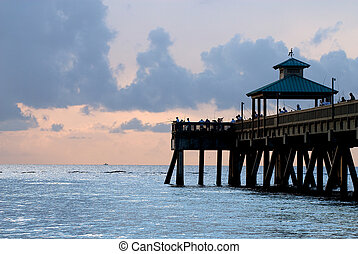 Deerfield Beach Pier at sunrise