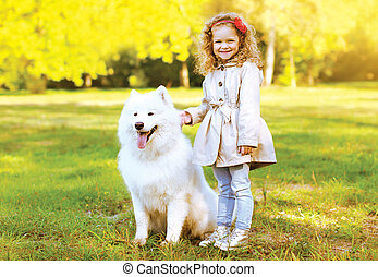 dehors, chien, automne, chaud, enfant riant, amusement, avoir, heureux