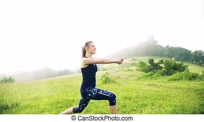 dehors, exercice, nature., motion., femme, lent, pré, jeune