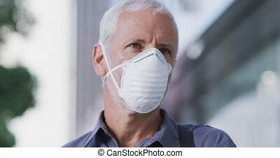 dehors, homme masque, sur, coronavirus, caucasien, porter, ...