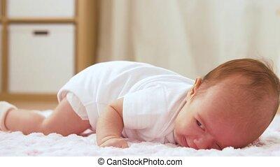 deken, gebreid, schreeuwende baby, meisje, pluche, het...