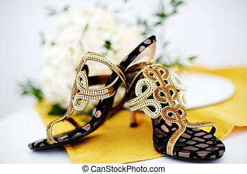 dekoráció, csillogás, cipők, esküvő
