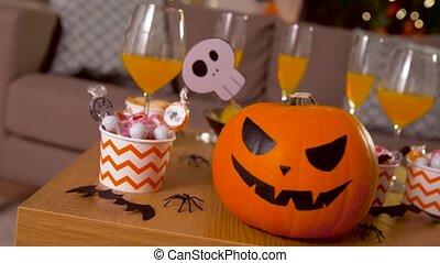 dekorationen, behandelt, tisch, daheim, halloween