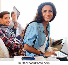 dela, africano-americano, jovem, preparar, estudante, amigos menina, exames