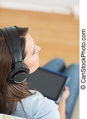 dela, música, digital, sofá, tabuleta, mulher, escutar