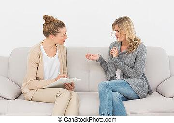 dela, terapeuta, falando, sofá, mulher, loiro