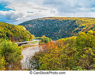A scenic view of the Delaware Water Gap National Recreation Area between New Jersey and Pennsylvania.