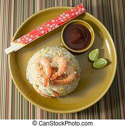 delicioso, camarón, arroz frito, en, marrón, placa